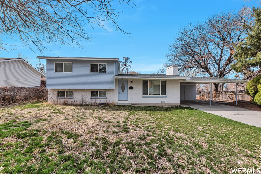 Photo of 6848 S GREENDALE RD, Cottonwood Heights, UT 84121 (MLS # 1729765)