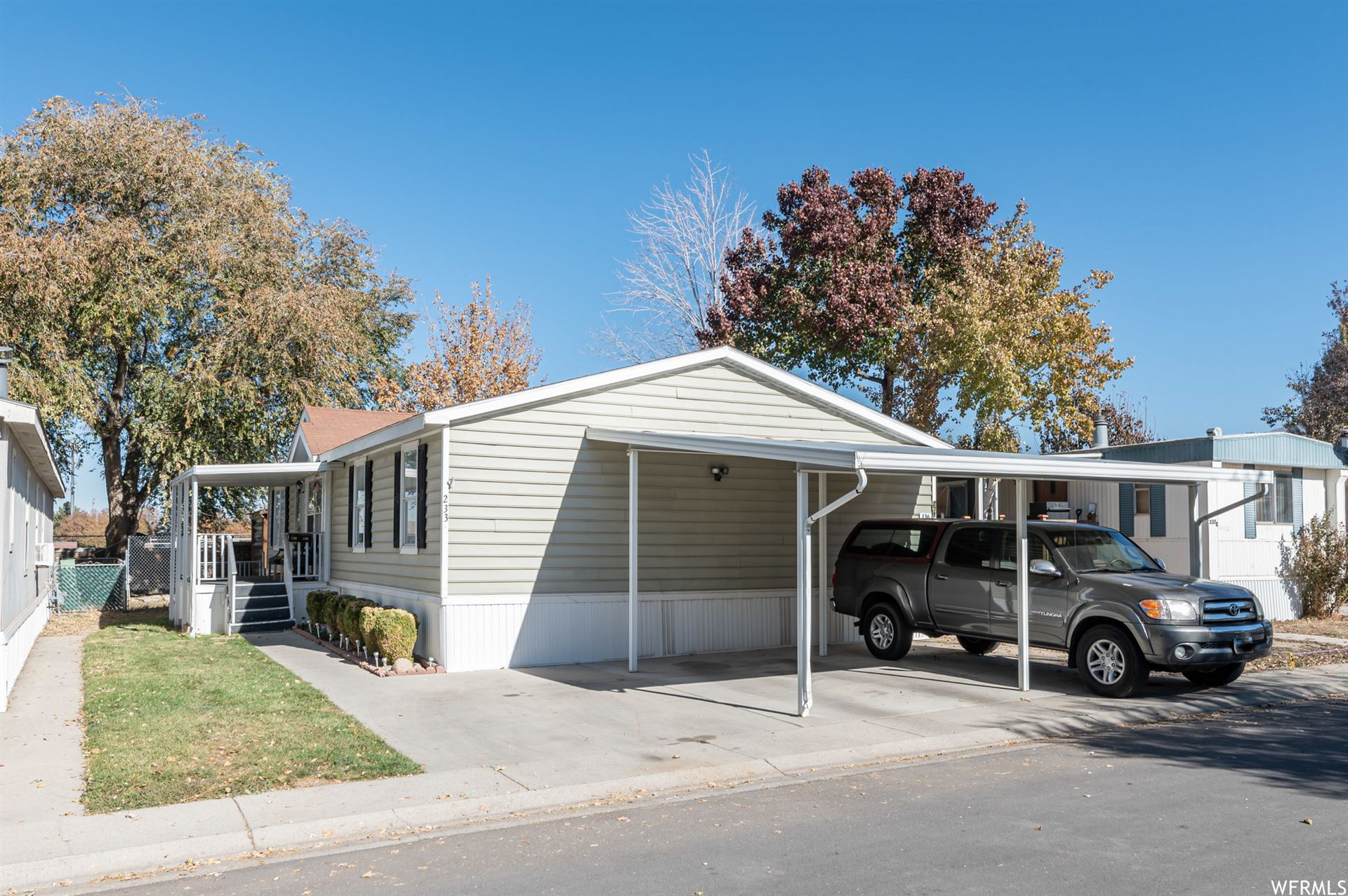 Photo of 233 E JORDAN VIEW DR S #136, Sandy, UT 84070 (MLS # 1710786)