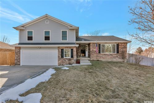 Photo of 11412 S AUTUMN HILL E DR, Sandy, UT 84094 (MLS # 1727813)