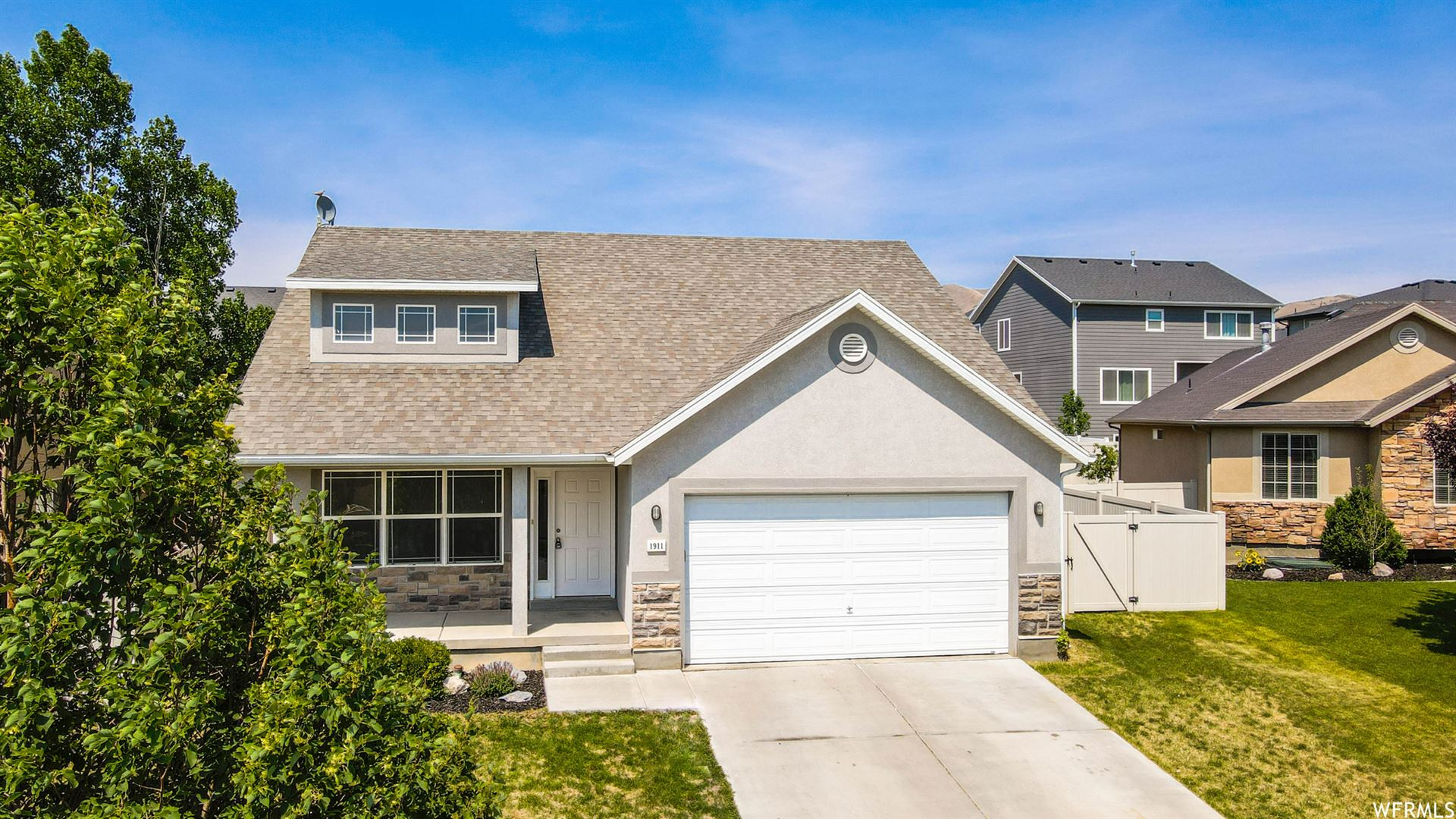 Photo of 1911 N SEGO LILLY DR, Saratoga Springs, UT 84045 (MLS # 1749816)