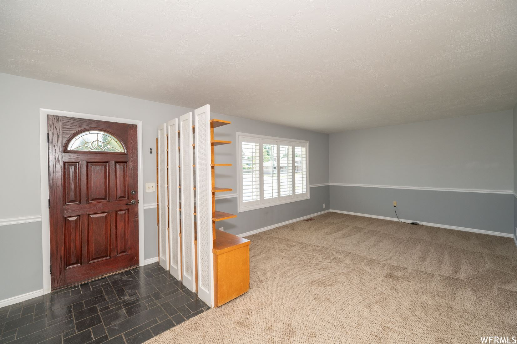 Photo of 1850 W MANTLE AVE, Taylorsville, UT 84129 (MLS # 1753817)