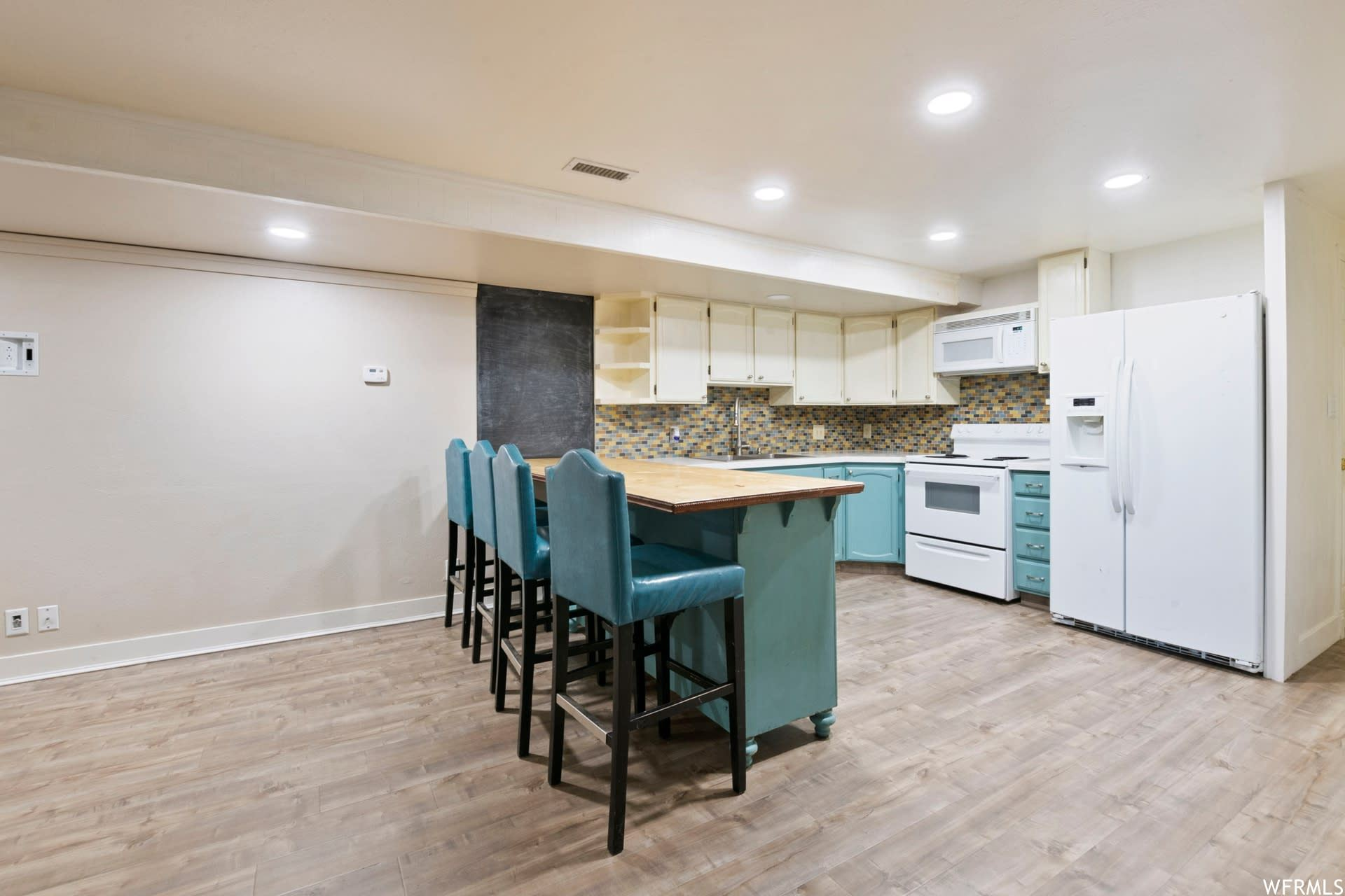 Photo of 1661 WILLOWBROOK DR, Provo, UT 84604 (MLS # 1715822)
