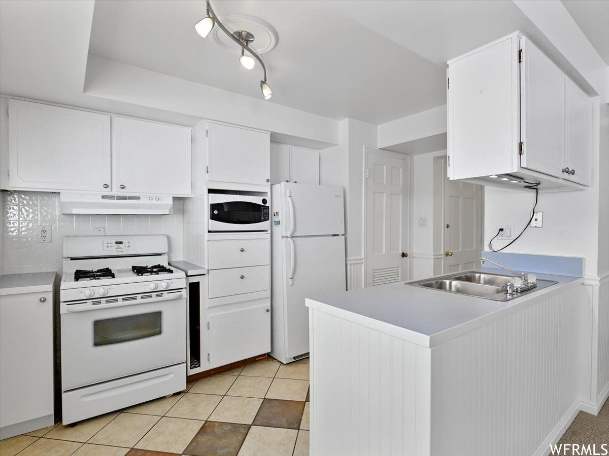 Photo of 2220 E MURRAY HOLLADAY S RD #70, Holladay, UT 84117 (MLS # 1750824)