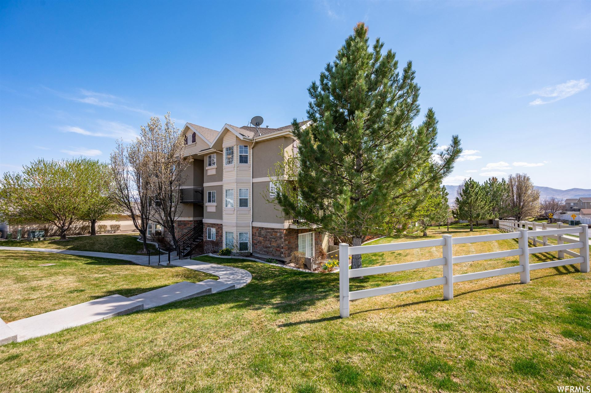 Photo of 2103 N MORNING STAR W DR #11, Saratoga Springs, UT 84045 (MLS # 1734830)