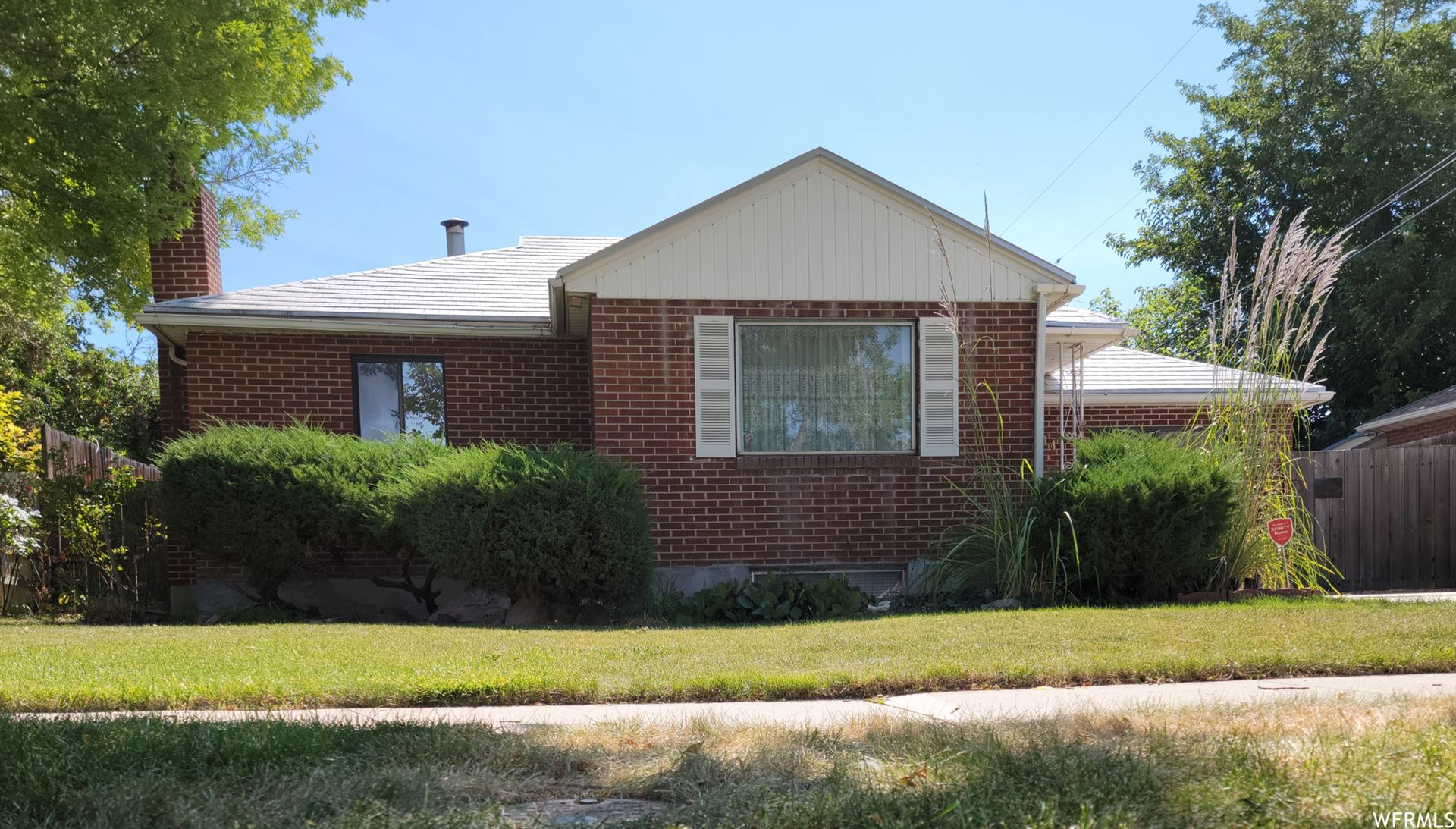 Photo of 1141 N SAN FERNANDO W DR, Salt Lake City, UT 84116 (MLS # 1770852)