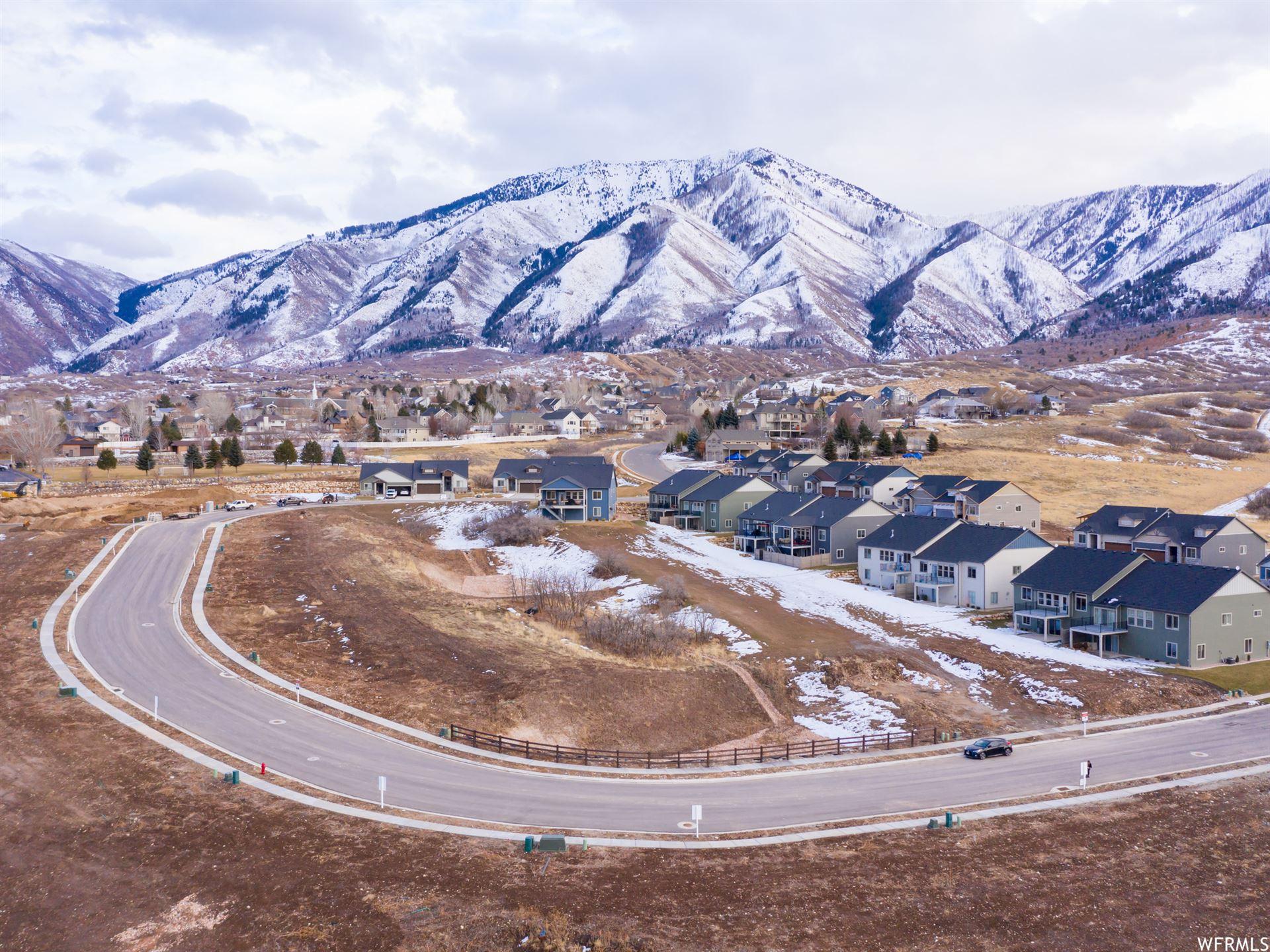 Photo of 124 W PARKSIDE LOOP #29, Elk Ridge, UT 84651 (MLS # 1731855)