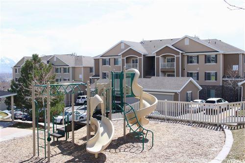Photo of 129 W SPRINGVIEW DR, Saratoga Springs, UT 84045 (MLS # 1768871)