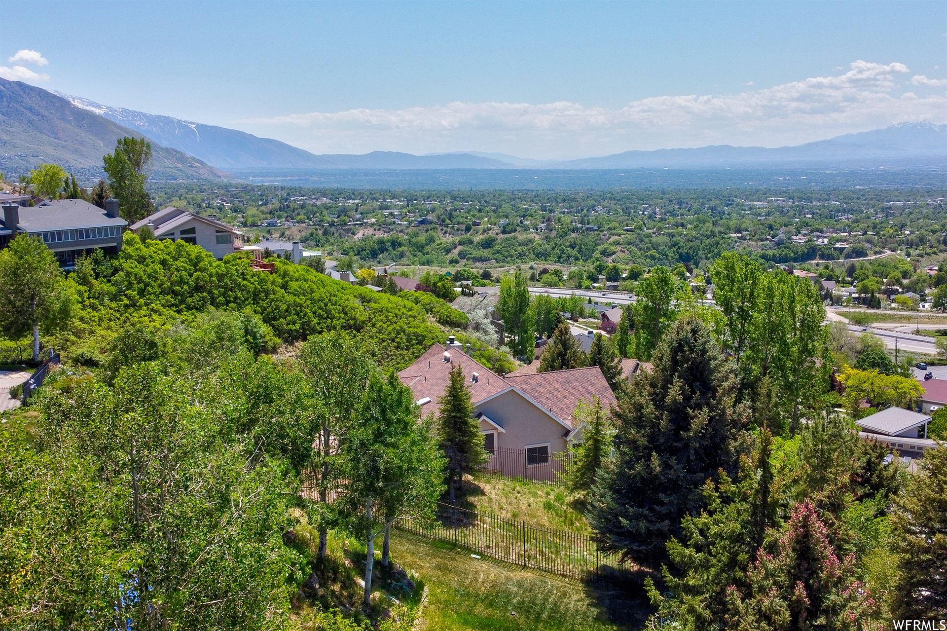 Photo of 2948 E BENCHMARK DR, Salt Lake City, UT 84109 (MLS # 1746884)