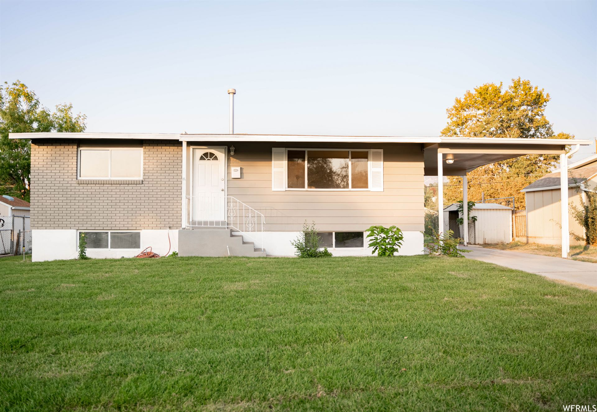 Photo of 1067 E SEGO LILY DR, Sandy, UT 84094 (MLS # 1768888)