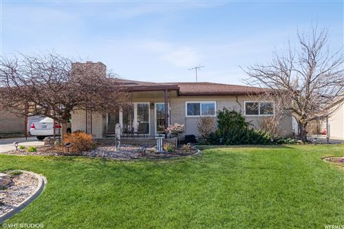 Photo of 958 E TRITOMA S AVE, Sandy, UT 84070 (MLS # 1732918)