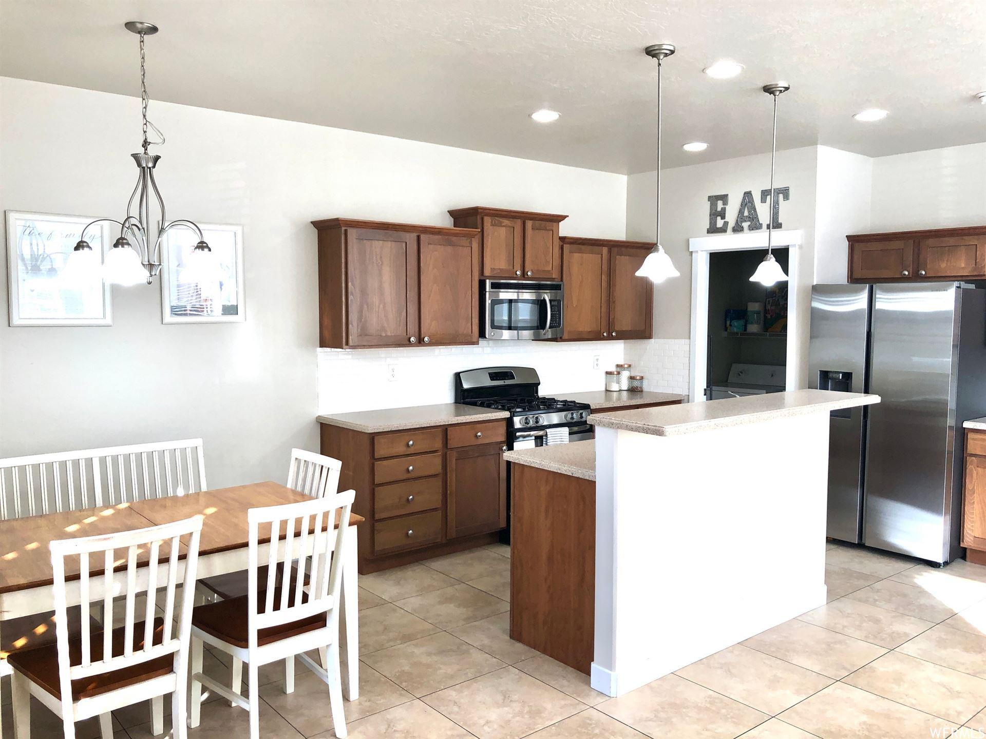 Photo of 3742 W LILAC HEIGHTS DR, South Jordan, UT 84095 (MLS # 1720931)