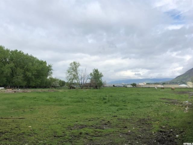 Photo of 411 N 400 W, Springville, UT 84663 (MLS # 1646940)