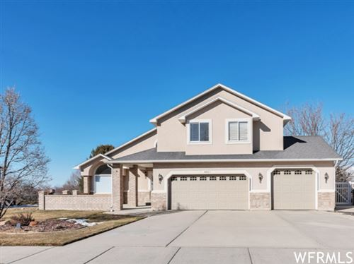 Photo of 1063 E HACKAMORE DR, Draper, UT 84020 (MLS # 1726943)