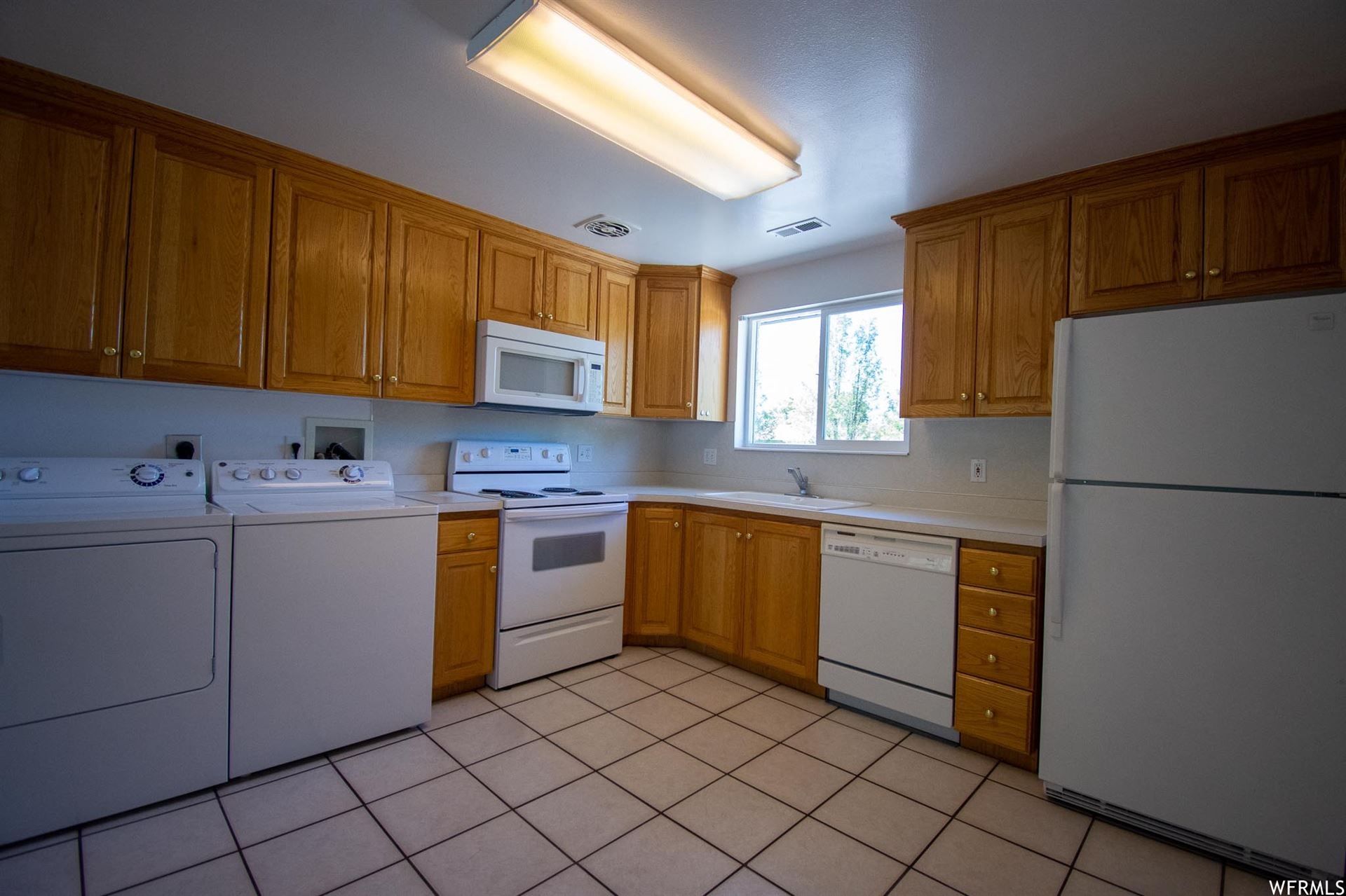 Photo of 330 S 150 W, Orem, UT 84058 (MLS # 1732966)
