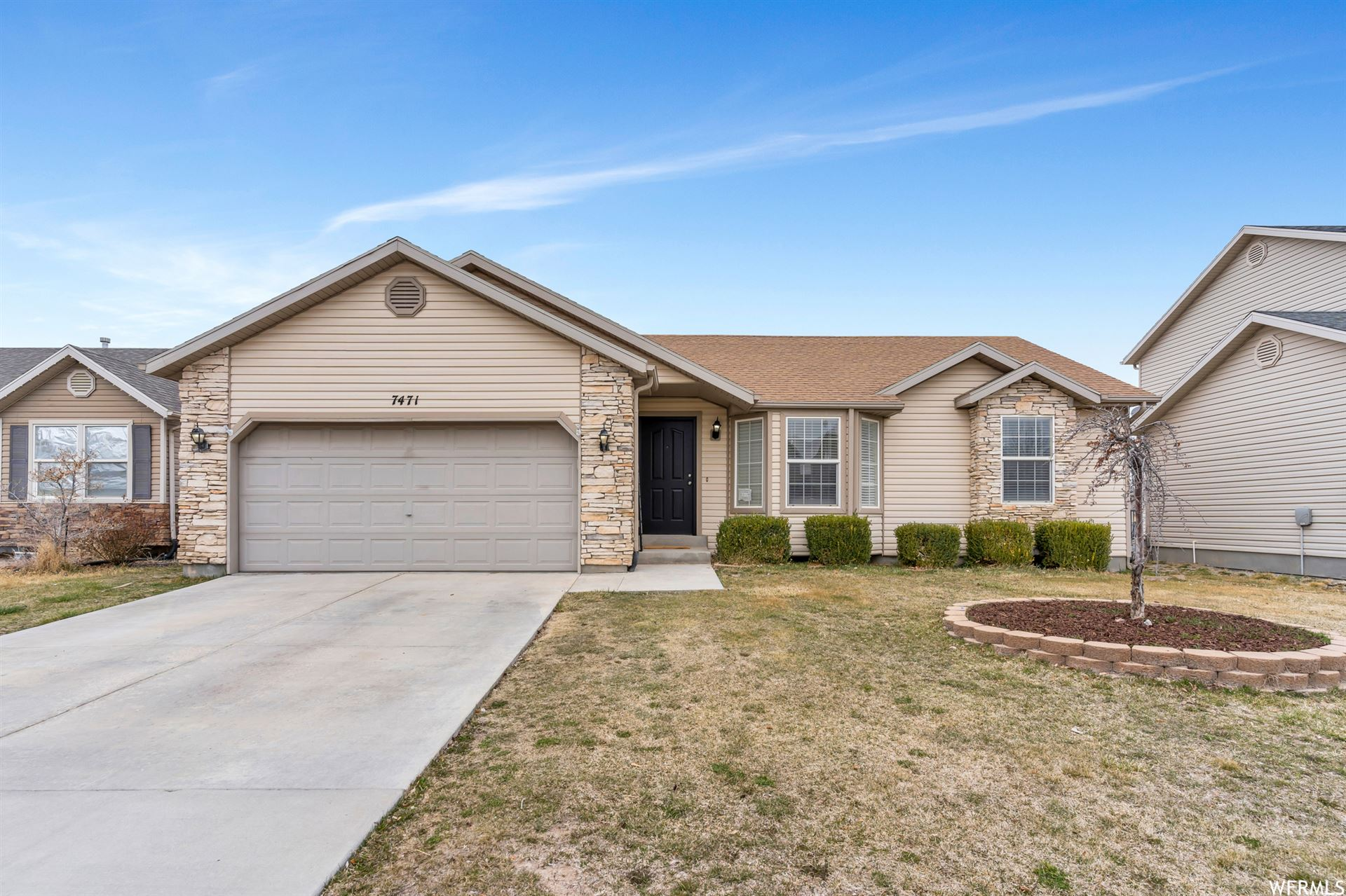 Photo of 7471 N RED PINE DR, Eagle Mountain, UT 84005 (MLS # 1731968)