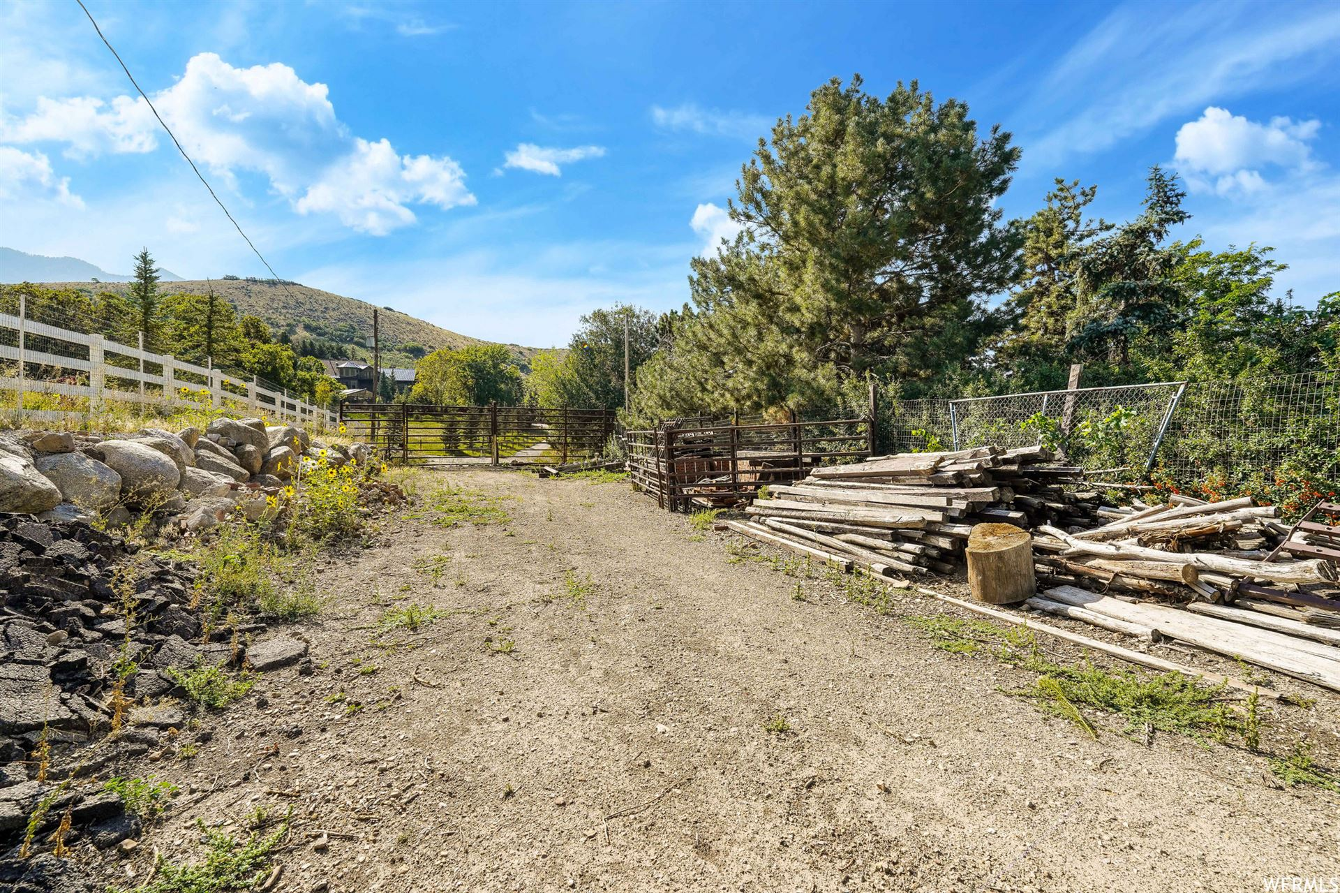 Photo of 1801 N FORT CANYON RD, Alpine, UT 84004 (MLS # 1767988)