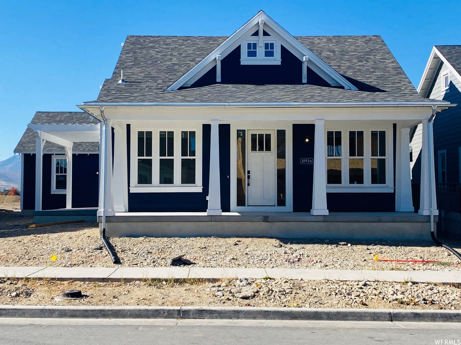 Photo of 11018 S PADDLE BOARD WAY #325, South Jordan, UT 84009 (MLS # 1710989)