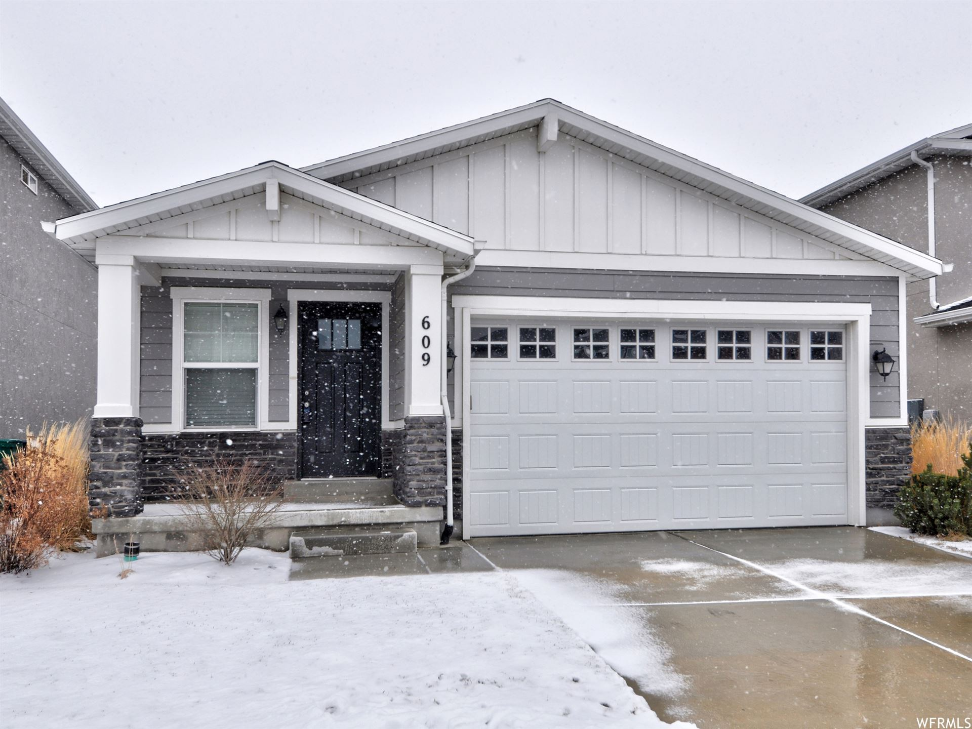 Photo of 609 W LIFE DR, Bluffdale, UT 84065 (MLS # 1724996)