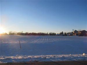Photo of 806 Ridge View Road, Beaver Creek, MN 56116 (MLS # 6033185)