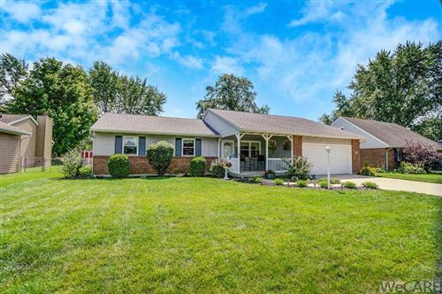 Photo of 5061 East Road, Lima, OH 45807 (MLS # 206102)