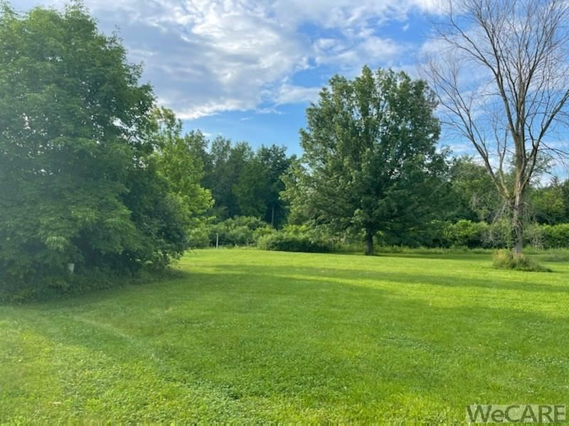 Photo of 3132 Summer Breeze Ct., Lima, OH 45805 (MLS # 205214)