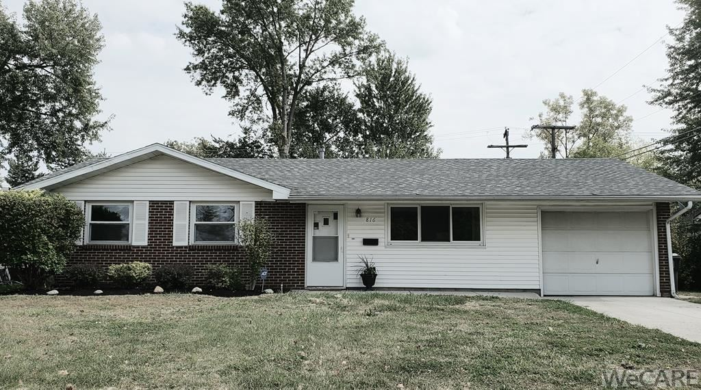 Photo of 816 Crestwood Dr., Lima, OH 45805 (MLS # 206419)