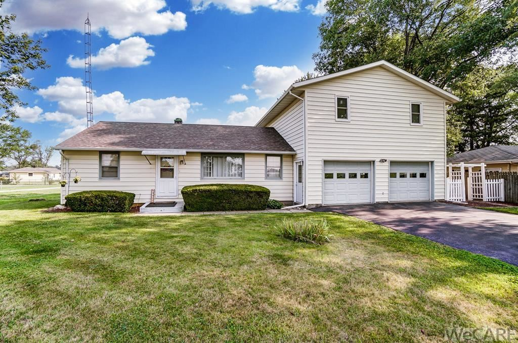 Photo of 4437 BLUELICK RD, E, Lima, OH 45801 (MLS # 205534)