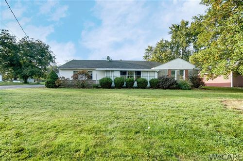 Photo of 2920 E. Bluelick Rd, Lima, OH 45801 (MLS # 206686)