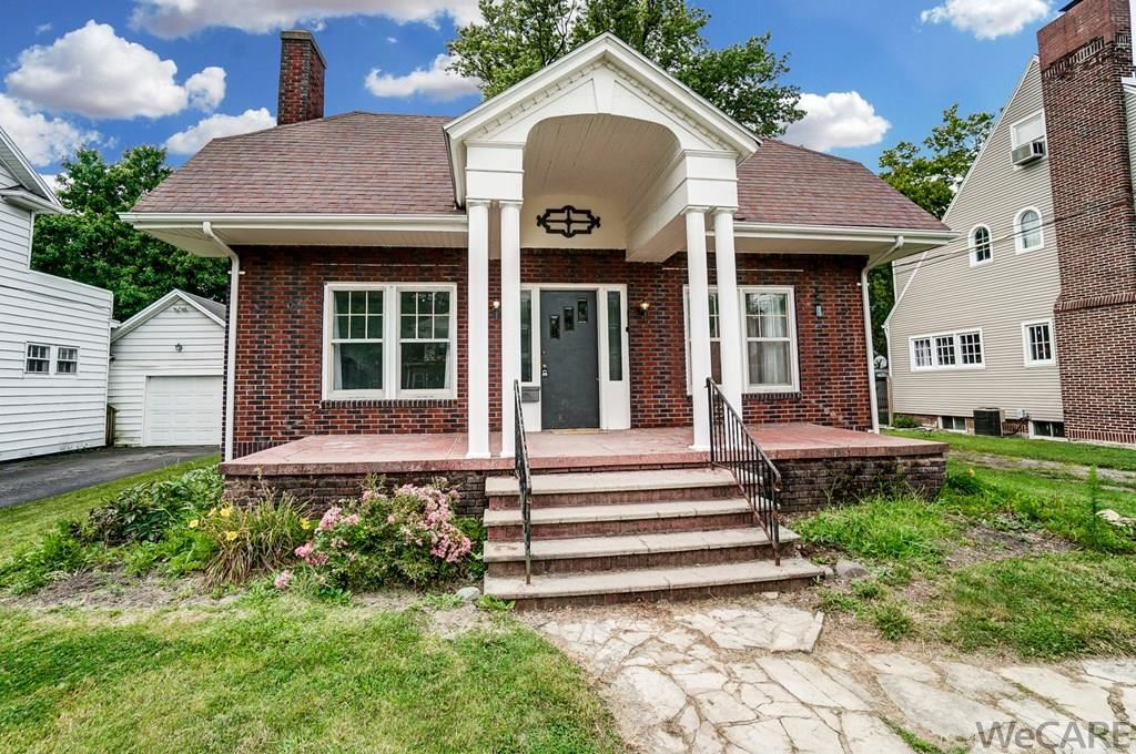 Photo of 322 ROSEDALE AVE, S, Lima, OH 45805 (MLS # 205918)