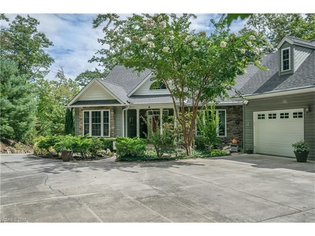 Photo for 57 Masters View Drive, Etowah, NC 28729 (MLS # 3313091)
