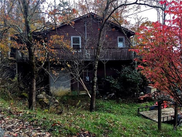 Photo for 810 Fox Town Road, Hot Springs, NC 28743 (MLS # 3336178)