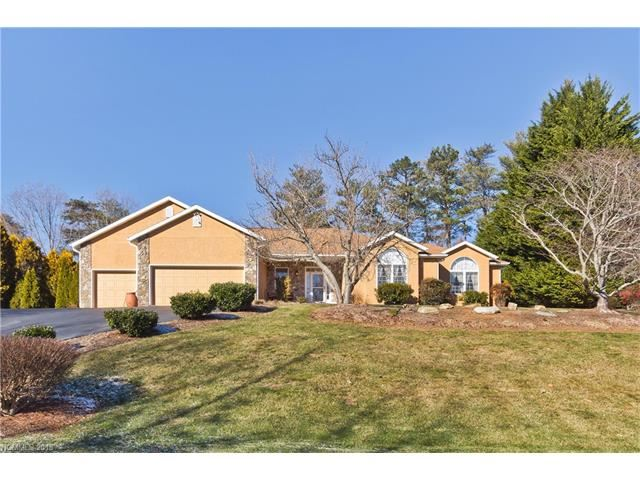 Photo for 16 Fairway View Drive, Weaverville, NC 28787 (MLS # 3349226)