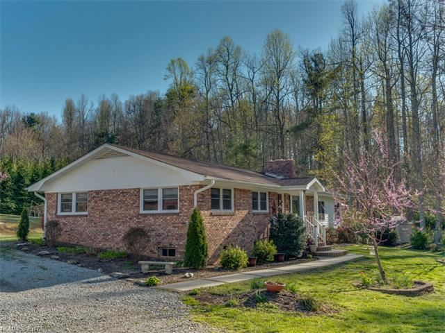 Photo for 163 Hollifield Drive, Saluda, NC 28773 (MLS # 3269234)