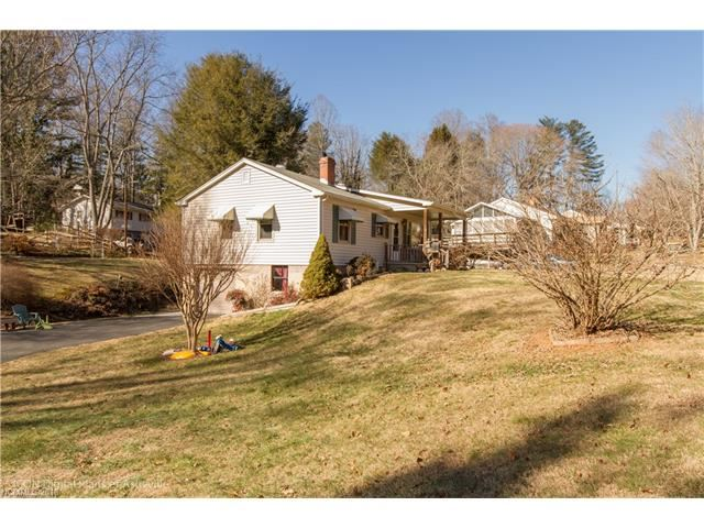 Photo for 31 Pinewood Place, Asheville, NC 28806 (MLS # 3350271)