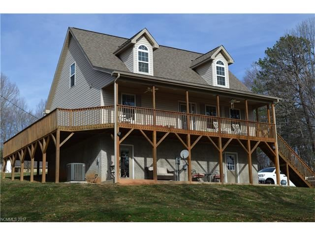 Photo for 35 Corvette Drive, Candler, NC 28715 (MLS # 3346448)
