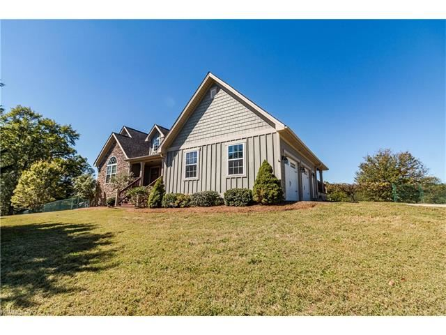 Photo for 5 Derry Drive, Horse Shoe, NC 28742 (MLS # 3320452)