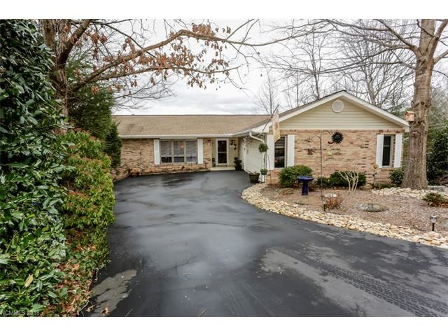Photo for 1860 Riverview Court, Hendersonville, NC 28739 (MLS # 3350532)