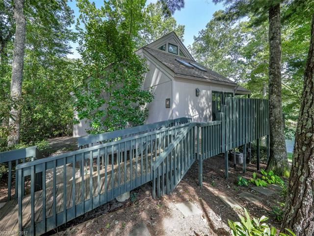 Photo for 47 Toxaway Point, Lake Toxaway, NC 28747 (MLS # 3333694)
