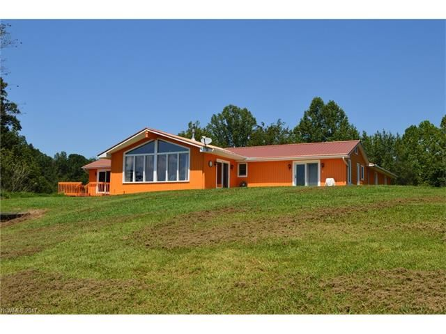 Photo for 211 Mountain View Heights, Marshall, NC 28753 (MLS # 3309709)