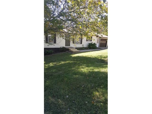 Photo for 7 E Pine Ridge Drive E #36, Fairview, NC 28730 (MLS # 3329736)