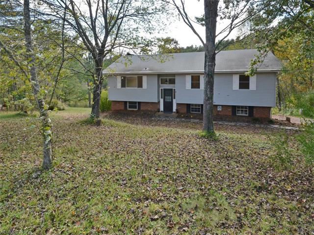 Photo for 9 Trails End, Leicester, NC 28748 (MLS # 3329762)