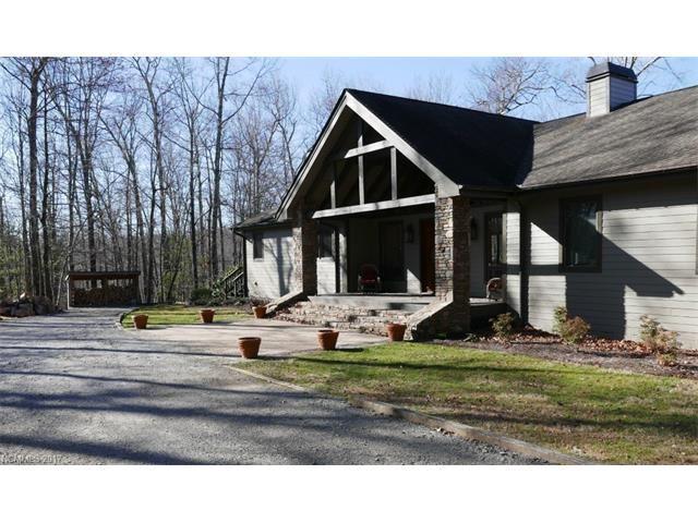 Photo for 900 Spanish Oak Drive, Cedar Mountain, NC 28718 (MLS # 3245864)