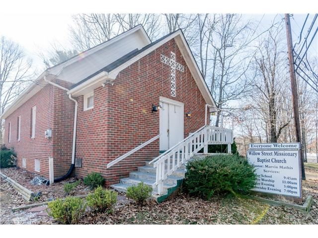 Photo for 1308 Willow Road, Hendersonville, NC 28739 (MLS # 3347875)