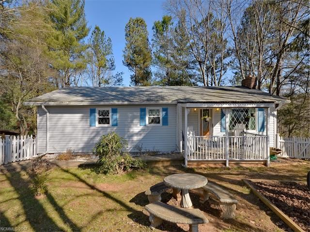 Photo for 290 Candlelight Circle, Clyde, NC 28721 (MLS # 3345900)