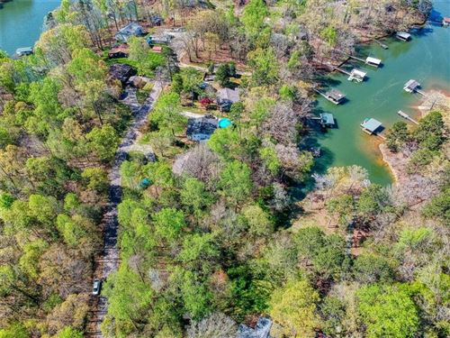Photo of 114 E Clearwater Shores Road, Fair Play, SC 29643 (MLS # 20238366)