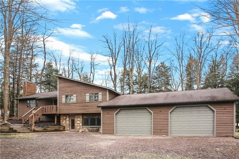 Photo of 109 E Fairway Rd, Central City, PA 15926 (MLS # 1436021)