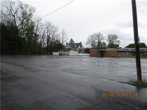 Photo of 409 E Moody Ave, New Castle/2nd, PA 16105 (MLS # 1513071)