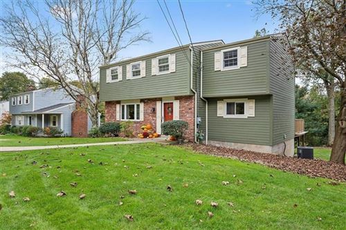 Photo of 357 Mohican Ave, McCandless, PA 15237 (MLS # 1527079)