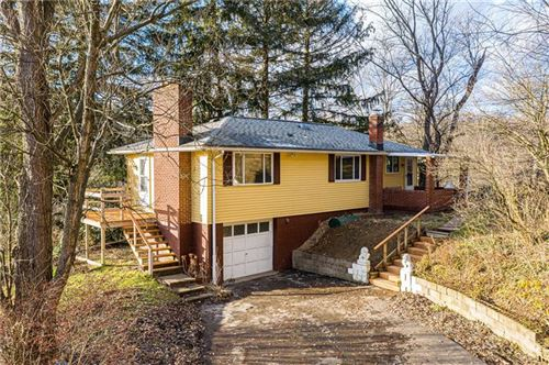 Photo of 162 Oak Rd, Gibsonia, PA 15044 (MLS # 1429119)