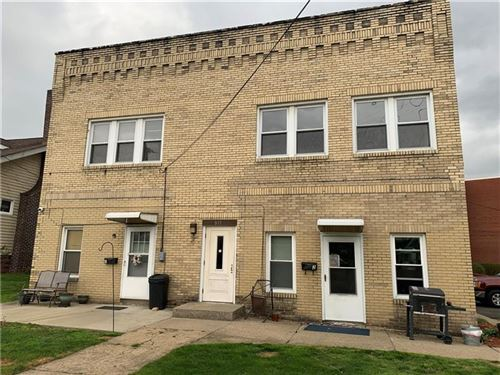 Photo of 811 Wilmington Avenue, New Castle/2nd, PA 16101 (MLS # 1495139)